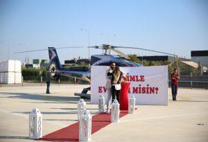 Dev Pankartla Helikopterde Evlilik Teklifi Organizasyonu