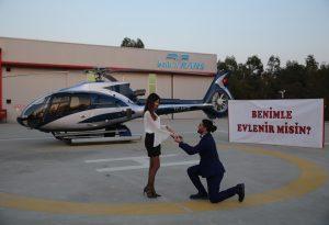 Helikopterde Dev Pankart Eşliğinde Evlilik Teklifi Organizasyonu