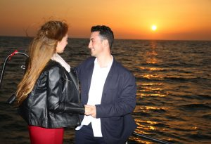 Körfezde Teknede Evlilik Teklifi OrganizasyonuKörfezde Teknede Evlilik Teklifi Organizasyonu