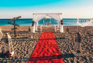 Kumsalda Gazebo Dekor Evlenme Teklifi Organizasyonu