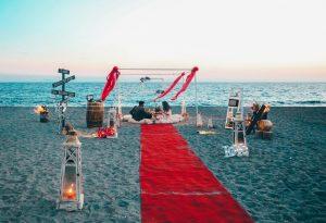 Kumsalda Minder Dekor Evlilik Teklifi Organizasyonu