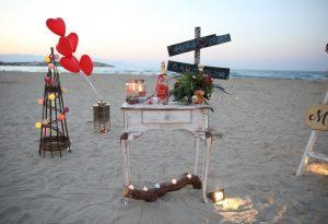 Çeşme Plajında Evlilik Teklifi Organizasyonu