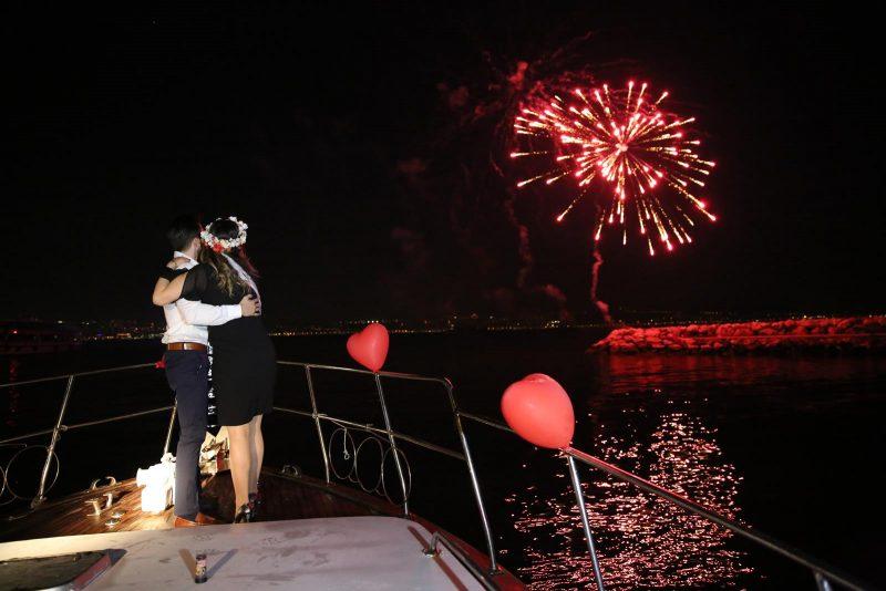 Teknede VIP Transfer ve Palyaço İle Evlenme Teklifi Organizasyonu